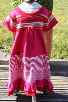 robe- marese - 5 ans - NEUVE -superbes couleurs !