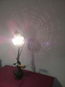 LAMPE REALISEE AVEC UN ANCIEN HACHOIR DE 1930