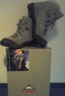 Chaussure de montagne AQUAMAX