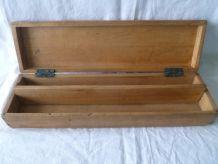 ancienne  boite   en bois  vintage