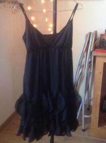 Robe noire volantée Naf Naf