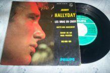 disque 4 titres johnny hallyday