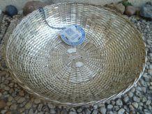 corbeille  en fil de fer argenté tressé fait main