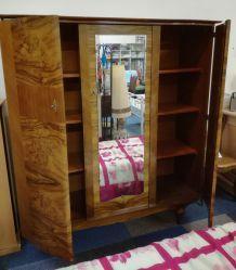 Belle armoire vintage avec miroir