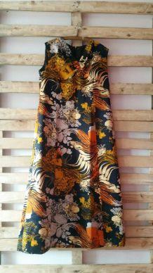 Robe Vintage . Taille 44 .