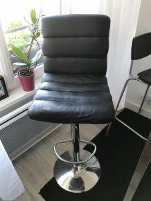 3 chaises hautes/bar