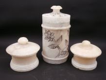 Trio de pots / boites en albâtre
