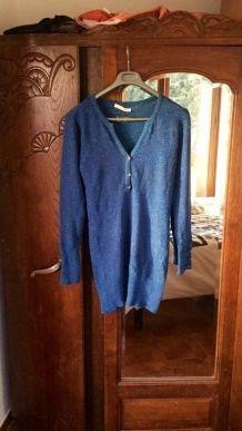 Pull long bleu paillettes taille S/M (38)