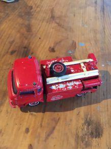Camion pompier solido
