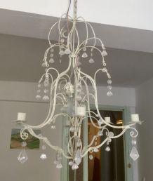 Lustre romantique fer forgé blanc et pampilles