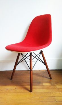Fauteuil Design Eames estampillé Herman Miller Mobilier International
