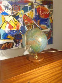 Mappemonde des années 50 lumineuse