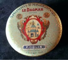 Ancienne Boite Métal Le Dagmar de Joigny