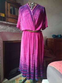 Robe vintage fuschia, t40 synthétique plissé