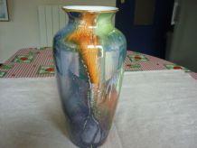 Vase en porcelaine vintage multicolore