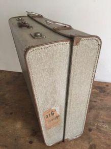 Grande valise à hauteur ajustable