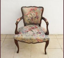 Fauteuil cabriolet style Louis XV