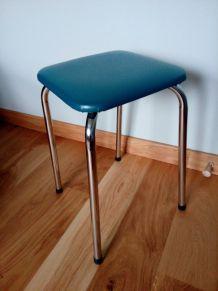 tabouret en métal et skaï années 60-70 revisité en bleu canard