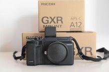 Ricoh GXR + module A12 (Leica) + VF2