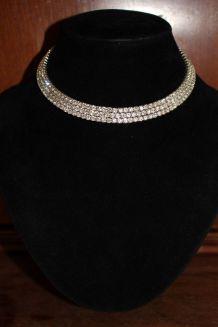 collier ras du cou effet diamant