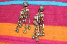 Boucle d'oreille style oriental pierre dore perle vintage
