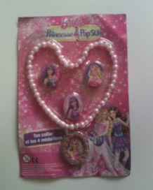 Collier et 4 médaillons Barbie