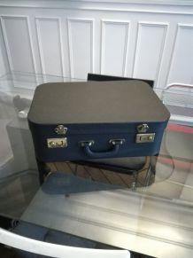 Valise noire vintage en bon état
