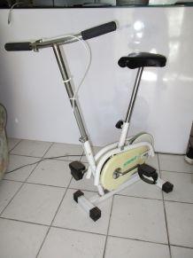 Vélo d' appartement