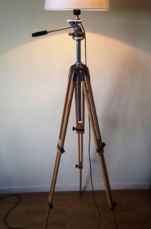 très grand lampadaire créés/ancien trépied photo en bois