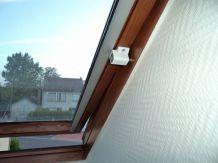 Sécurité Spéciale pour Fenêtre de toit type VELUX / et Autres - Sécurité Enfants  - Couleur Blanc