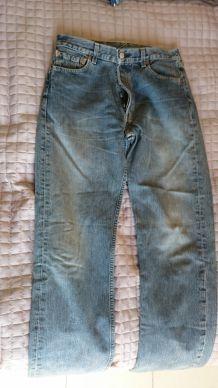 Jeans LEVI'S 501 homme T30 taille 30 pour homme mince ou ado garçon.