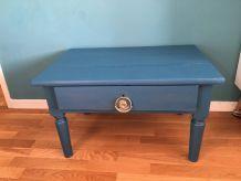 Table en bois à tiroir