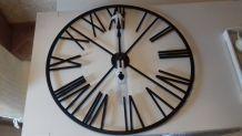 """Horloge murale 'Chiffres romains"""""""
