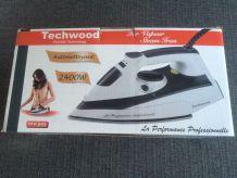 Fer à repasser à vapeur autonettoyant Techwood neuf