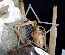 Etoile en mètre ancien métal gris