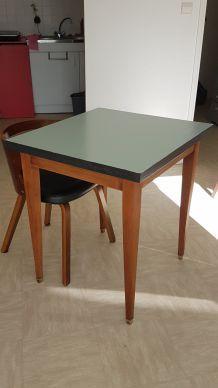 Table bois et formica rénovée