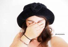 Chapeau en velours noir vintage 90's