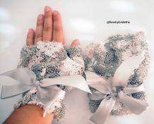 Paire de gants mitaines de mariage broderie et perles fait main