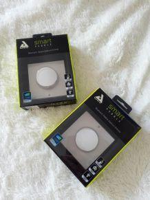 Ampoule LED à diffuseur d'huiles essentielles AwoX AromaLIGHT et interrupteur smart peeble
