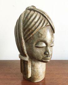 Statuette femme africaine en pierre