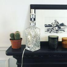 Pied de lampe en verre sculpté