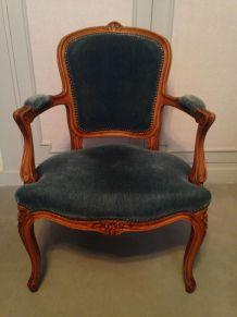 3 fauteuils cabriolet style Louis XV