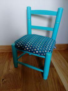 Petite chaise d'enfant, fauteuil de petite princesse bleu turquoise