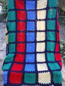 Couverture en laine au crochet