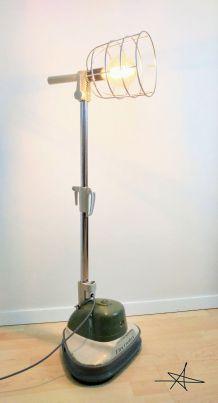 """Lampe à pied """"Complètement Cirée"""""""