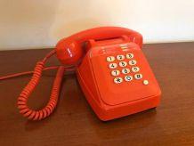 Téléphone S63 orange Vintage