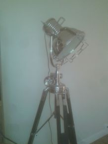 Trépied lampadaire style industriel