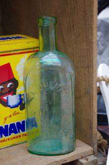 Flacon ancien pharmacie liqueur de charbon Guillot