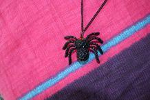 collier araignée noir diamant