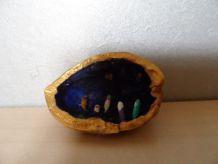 Mini Créche dans coquille de noix  NEUVE
